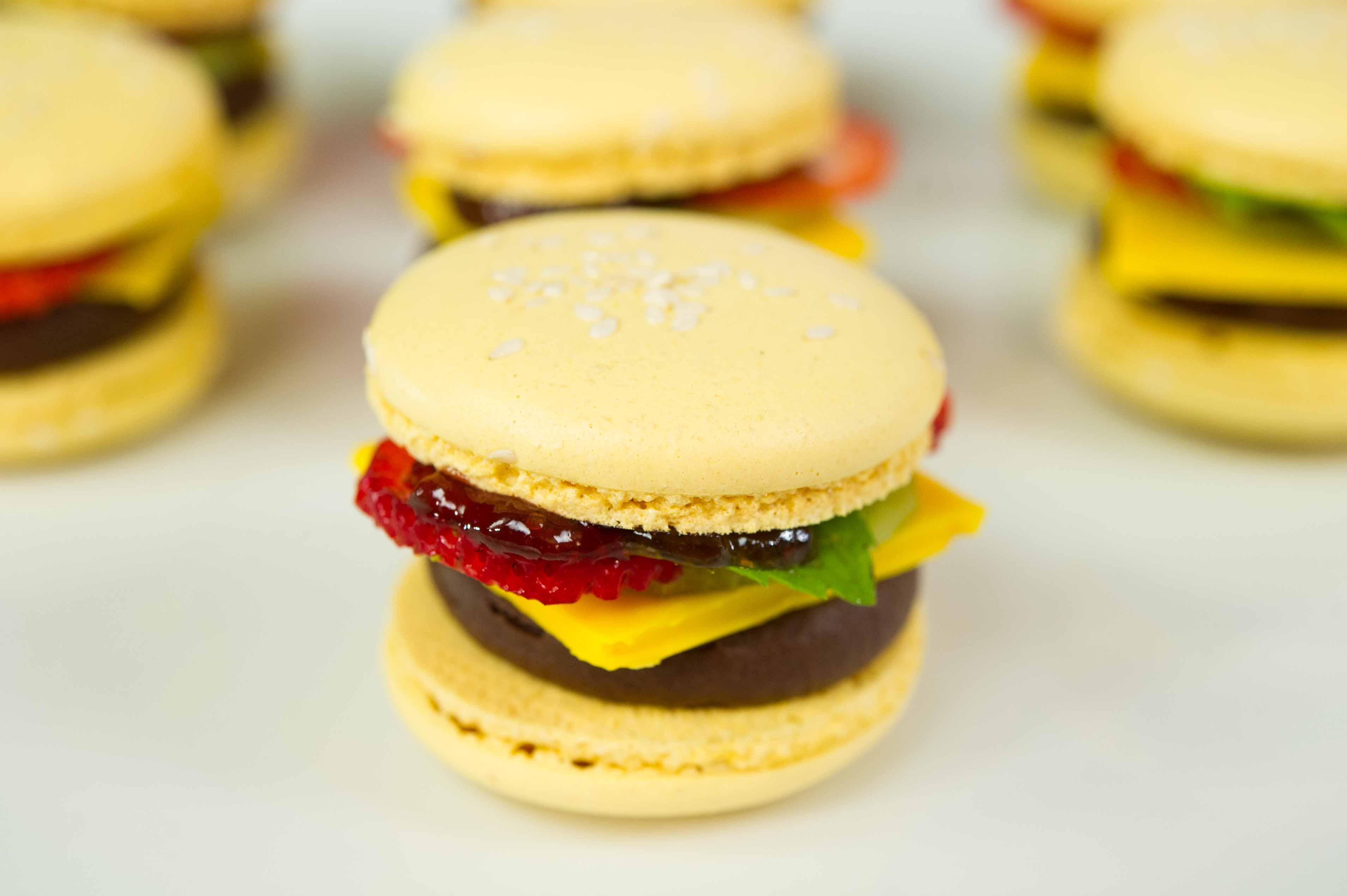 how to make hamburger macarons. Black Bedroom Furniture Sets. Home Design Ideas