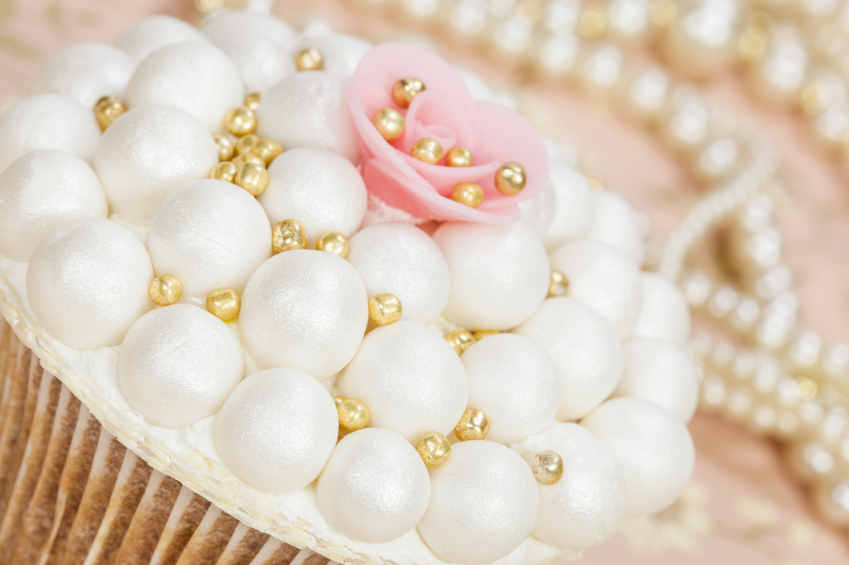 Cake Decor Terms : How to Make Sugar Pearls