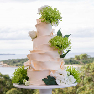 meadow mountain wedding cake