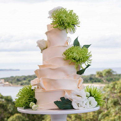 meadow mountain wedding cake