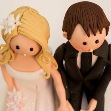 bride and groom figurines cake decorating class tutorial