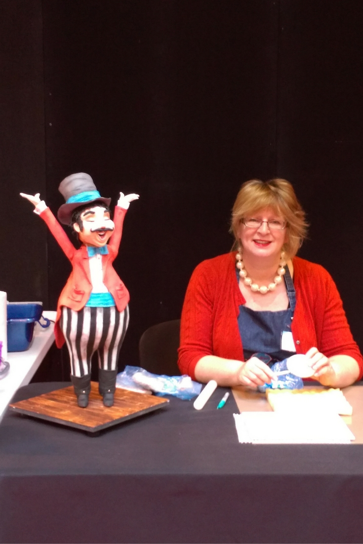 Rhu Strand Sugarcraft Teacher and her Roger the Ringmaster